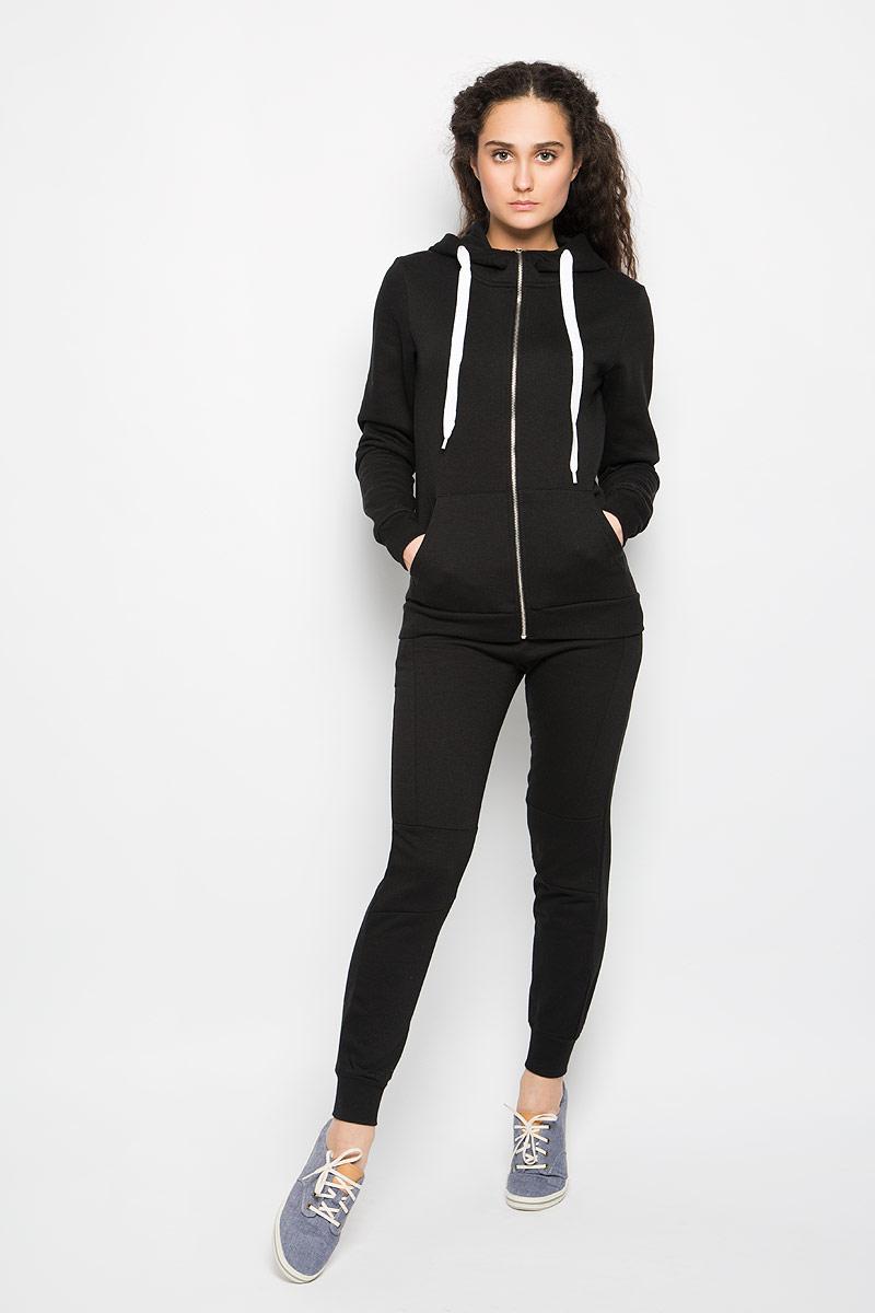Брюки спортивныеL-DR-2000_BLACKЖенские спортивные брюки Moodo подарят вам особенный комфорт во время занятия спортом. Модель изготовлена из полиэстера и хлопка. С изнаночной стороны - мягкий ворсистый материал, приятный на ощупь. Стильные брюки не сковывают движений. Широкий эластичный пояс, дополненный шнурком, отвечает за идеальную посадку. Брючины дополнены эластичными манжетами. Спереди находятся два втачных кармана с косыми срезами. Такая модель будет дарить вам комфорт в течение всего дня и послужит замечательным дополнением к вашему гардеробу.
