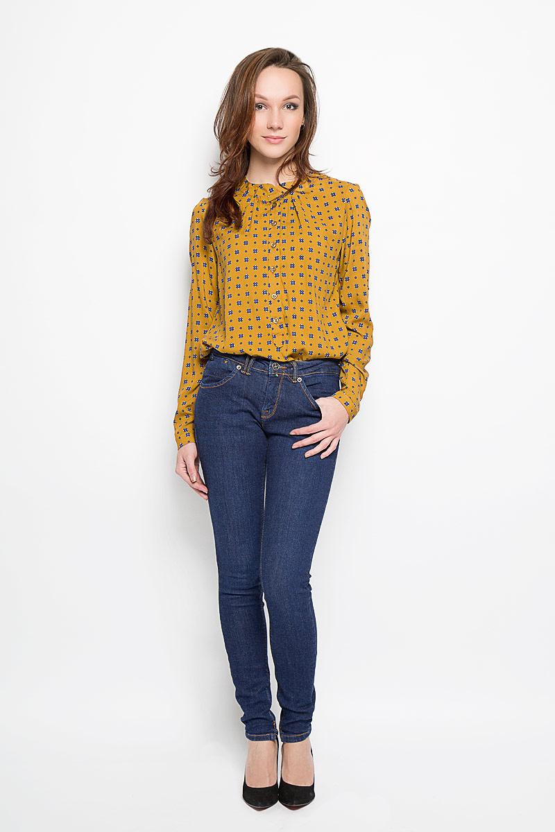Джинсы женские. 160145_19561160145_ 19561, Blue denim Calvy str., w.darkСтильные женские джинсы F5, выполненные из эластичного хлопка подчеркнут достоинства вашей фигуры. Облегающая модель со средней посадкой станет отличным дополнением к вашему современному образу. Джинсы застегиваются на металлическую пуговицу в поясе и ширинку на застежке-молнии, имеются шлевки для ремня. Спереди модель дополнена двумя прорезными карманами и часовым карманом в шве пояса, а сзади - двумя накладными карманами. Них брючин по внутреннему шву дополнен небольшими разрезами. Эти модные и в тоже время комфортные джинсы послужат отличным дополнением к вашему гардеробу.
