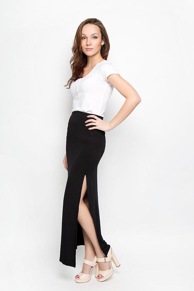 ЮбкаL-SC-2004_BLACKСтильная юбка Moodo изготовлена из эластичного вискозного материала, приятного на ощупь. Юбка макси длины с большим вырезом по боковому шву подчеркнет все достоинства вашей фигуры. Пояс дополнен широкой резинкой, благодаря чему она комфортно сидит. Эта модная юбка - отличный вариант на каждый день.