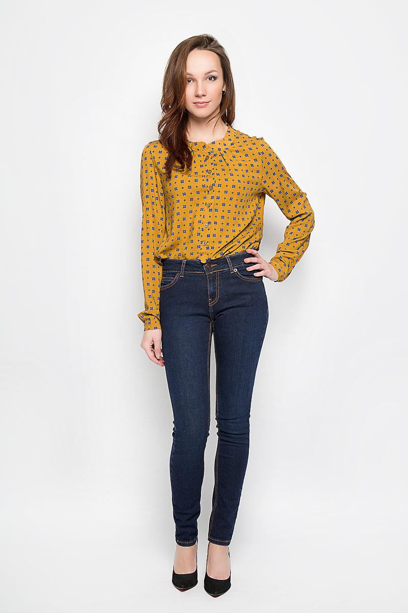 Джинсы женские. 160142_19341160142_ 19341, Blue denim Xot str., w.darkСтильные женские джинсы F5 созданы специально для того, чтобы подчеркивать достоинства вашей фигуры. Модель со средней посадкой и зауженные к низу станет отличным дополнением к вашему современному образу. Джинсы застегиваются на металлическую пуговицу в поясе и ширинку на застежке-молнии, имеются шлевки для ремня. Спереди модель дополнена двумя прорезными карманами и одним маленьким секретным кармашком, а сзади - двумя накладными карманами. Изделие оформлено контрастной отстрочкой. Эти модные и в тоже время комфортные джинсы послужат отличным дополнением к вашему гардеробу.