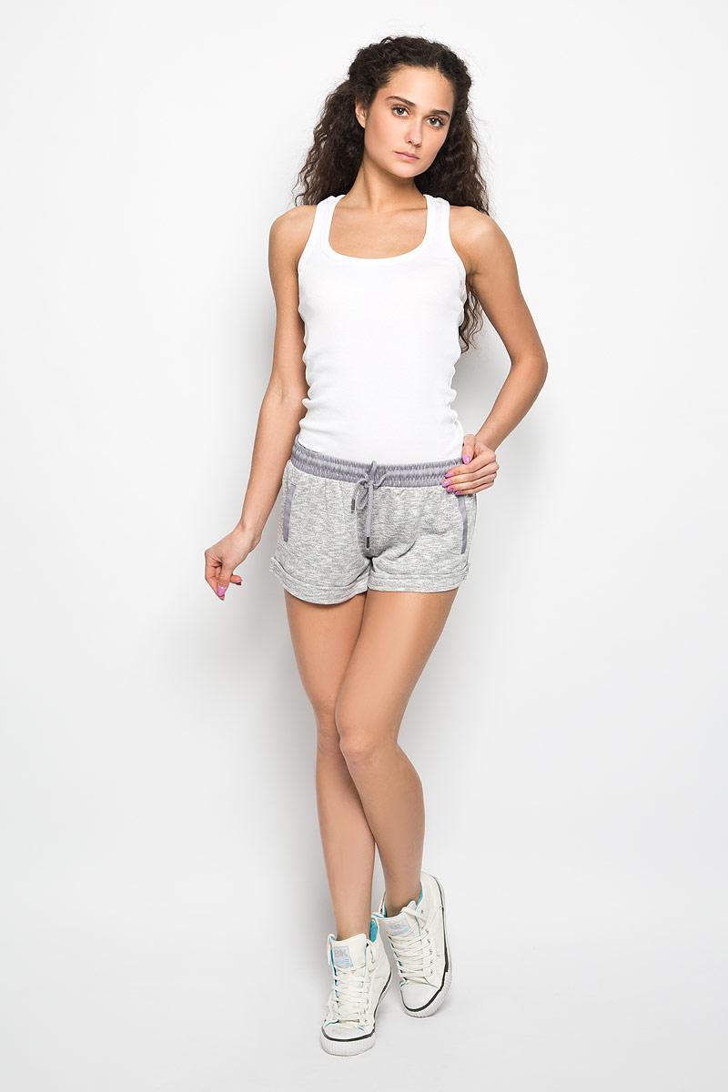 L-SH-2000_GREY_MELСтильные женские шорты Moodo станут прекрасным дополнением к летнему гардеробу. Шорты, изготовленные из полиэстера, хлопка и вискозы, мягкие, не сковывают движения, обеспечивая наибольший комфорт. С изнаночной стороны - мягкий ворсистый материал, приятный на ощупь. Модель на широкой эластичной резинке, затягивается на шнурок. Спереди модель оформлена имитацией прорезных карманов. Нижняя часть модели дополнена декоративными отворотами. Такие шорты - незаменимая вещь в летнем гардеробе каждой девушки.