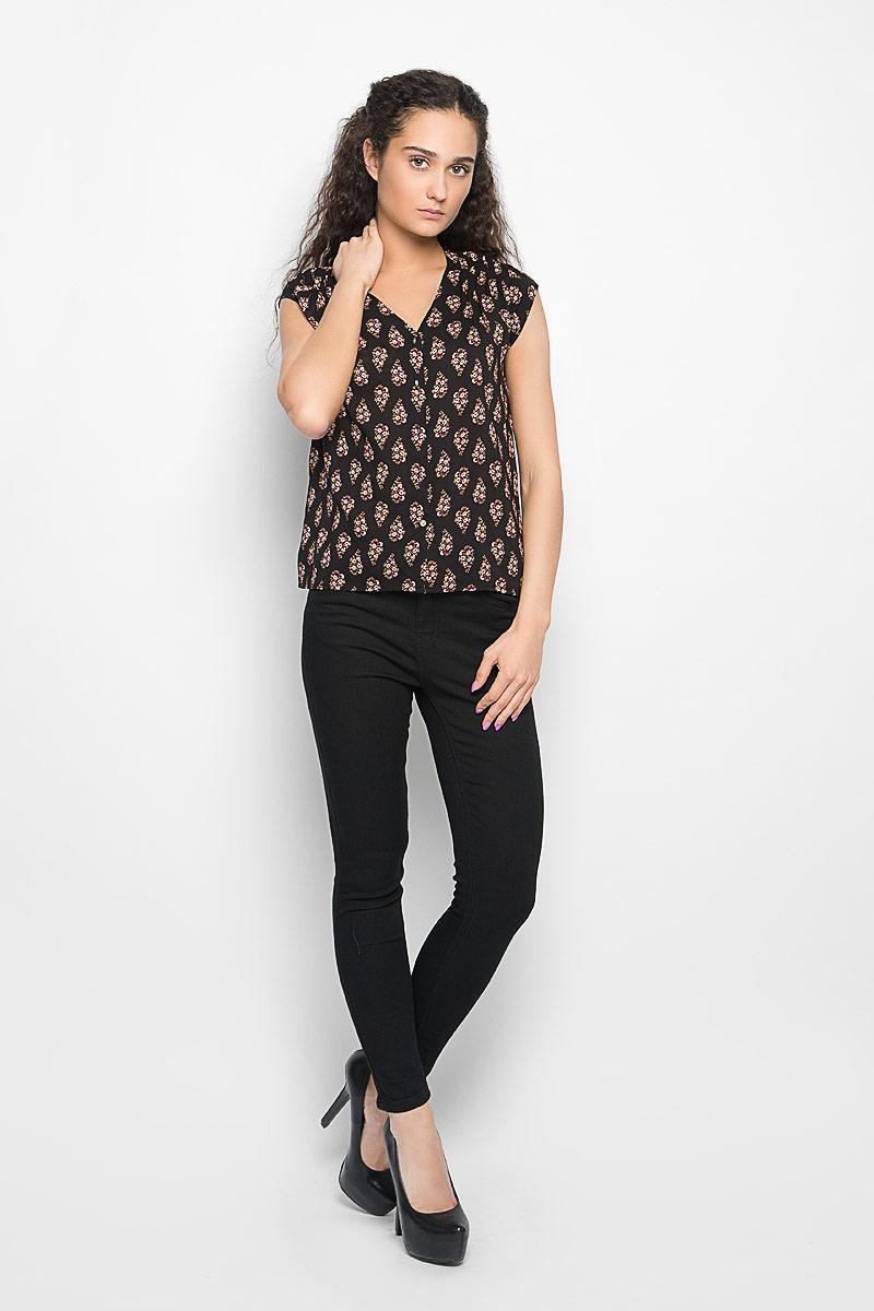 БлузкаL-KO-2012_FLOWERСтильная женская блуза Moodo, выполненная из высококачественного легкого материала, подчеркнет ваш уникальный стиль. Модная блузка свободного кроя с короткими рукавами и v-образным вырезом горловины поможет вам создать неповторимый образ. Изделие оформлено цветочным принтом, застегивается спереди на пуговицы. Спинка модели немного удлинена. Такая блузка будет дарить вам комфорт в течение всего дня и послужит замечательным дополнением к вашему гардеробу.