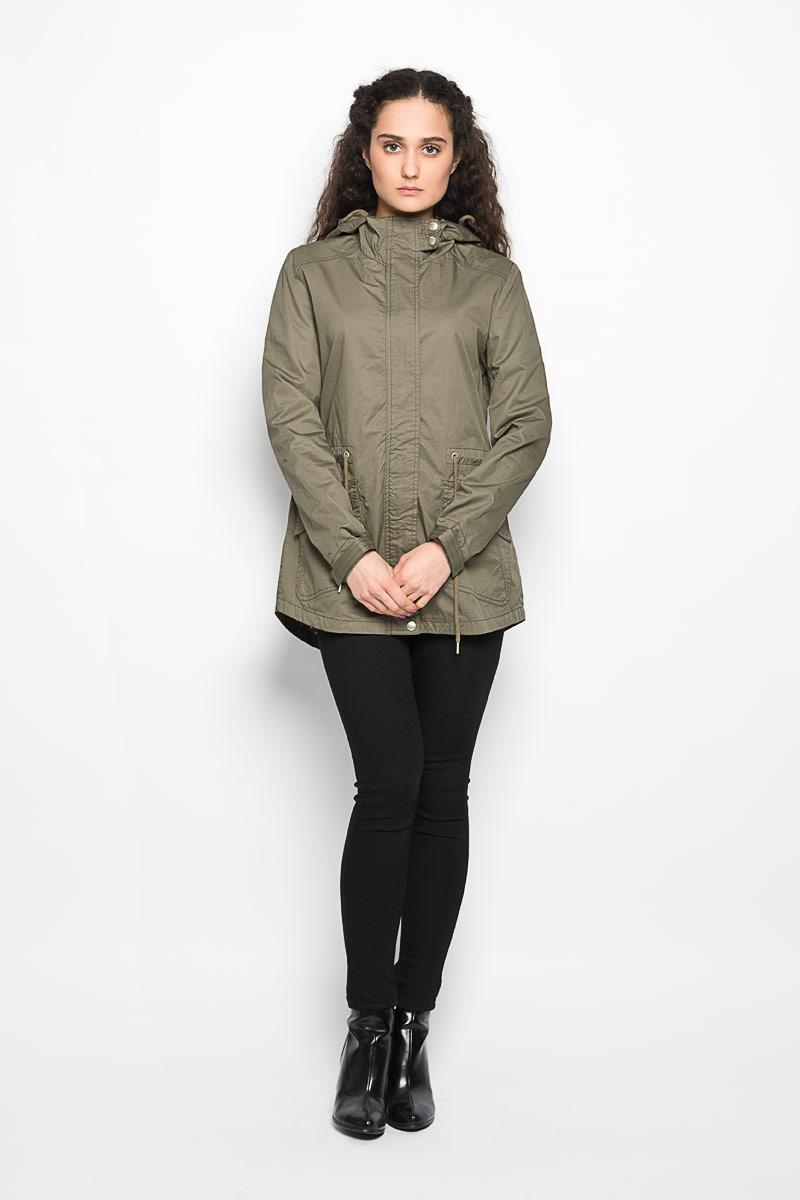 КурткаL-KU-2000_NAVYСтильная женская куртка Moodo, изготовленная из натурального хлопка на подкладке из полиэстера, легкая и комфортная, прекрасно подойдет для прогулок в прохладное время года. Модель с длинными рукавами и капюшоном застегивается на застежку-молнию и ветрозащитной планкой на кнопках. Капюшон дополнен кулиской. Модель дополнена двумя накладными карманами с клапанами и кулиской по линии талии. Низ рукава дополнен хлястиком на липучке, за счет которого можно регулировать его объем. Спинка немного удлинена. Такая куртка отлично дополнит ваш образ и позволит выделиться из толпы.