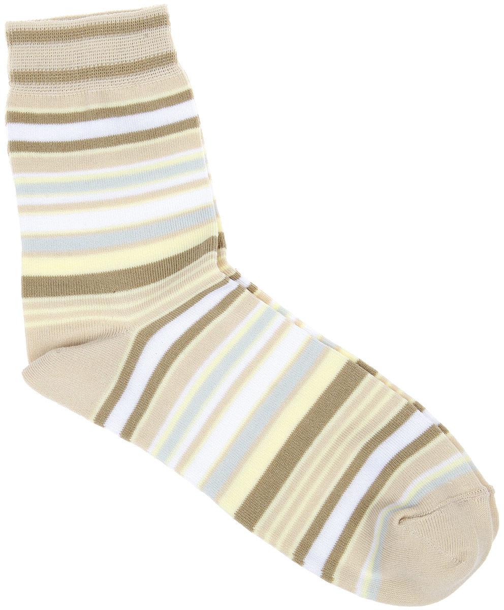 Носки женские. CD006CD006Удобные носки Alla Buone, изготовленные из высококачественного комбинированного материала, очень мягкие и приятные на ощупь, позволяют коже дышать. Эластичная резинка плотно облегает ногу, не сдавливая ее, обеспечивая комфорт и удобство. Носки с паголенком классической длины оформлены рисунком в полоску. Практичные и комфортные носки великолепно подойдут к любой вашей обуви.