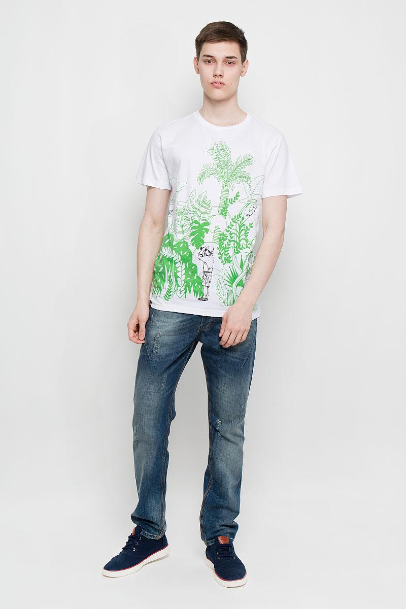 14576Отличная мужская футболка Dedicated выполненная из натурального хлопка, обладает высокой теплопроводностью, воздухопроницаемостью и гигроскопичностью, позволяет коже дышать. Модель прямого покроя с круглым вырезом горловины и короткими рукавами. Горловина обработана трикотажной резинкой, которая предотвращает деформацию после стирки и во время носки. Спереди и сзади футболка дополнена оригинальным рисунком. Такая футболка подарит вам комфорт в течение всего дня.