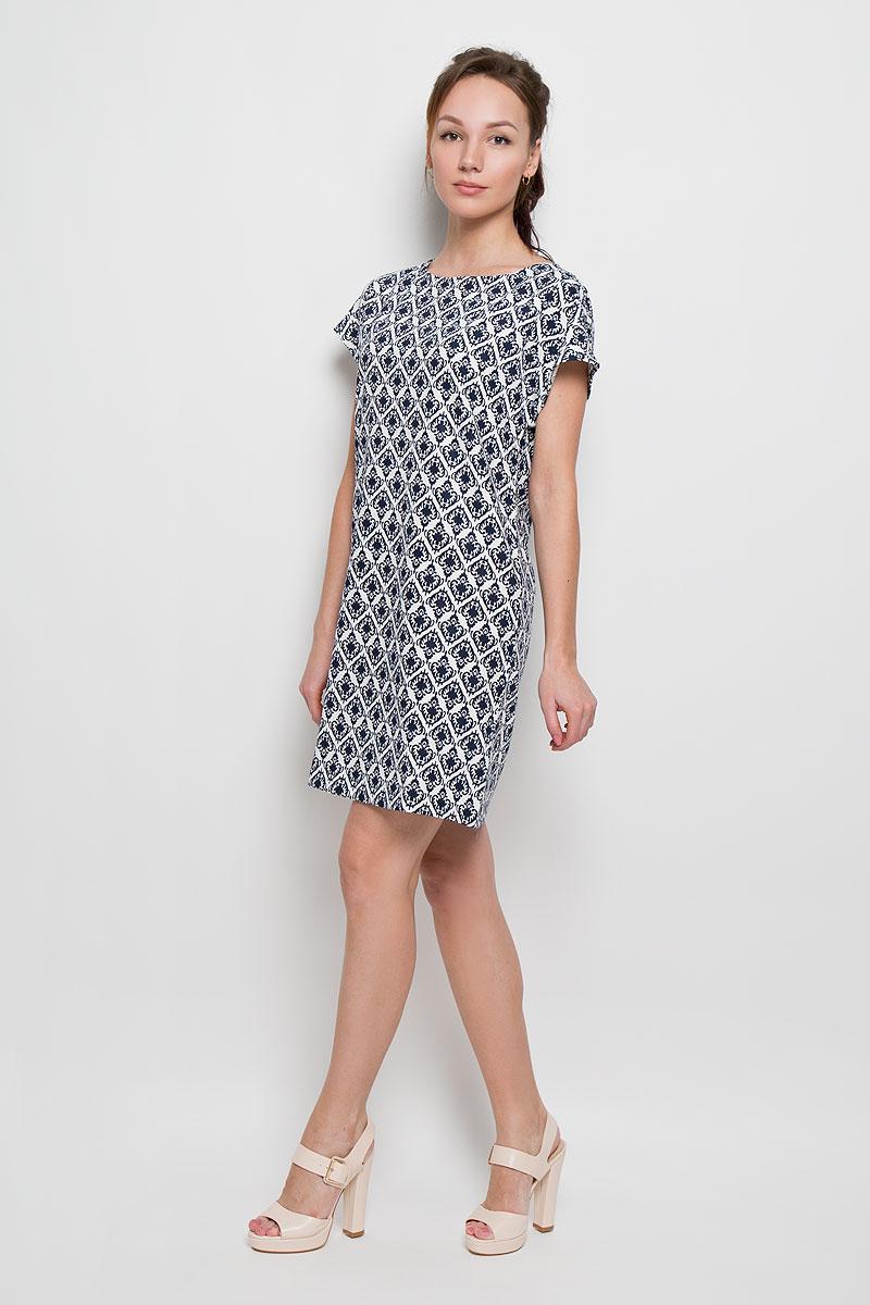 ПлатьеDs-117/751-6217Элегантное платье Sela выполнено из полиэстера, что обеспечит вам комфорт и удобство при носке. Модель с короткими рукавами-кимоно и круглым вырезом горловины выгодно подчеркнет все достоинства вашей фигуры. Платье застегивается сзади на металлическую застежку-молнию. Модель оформлена оригинальным орнаментом. Это модное и удобное платье станет превосходным дополнением к вашему гардеробу, оно подарит вам удобство и поможет вам подчеркнуть свой вкус и неповторимый стиль.