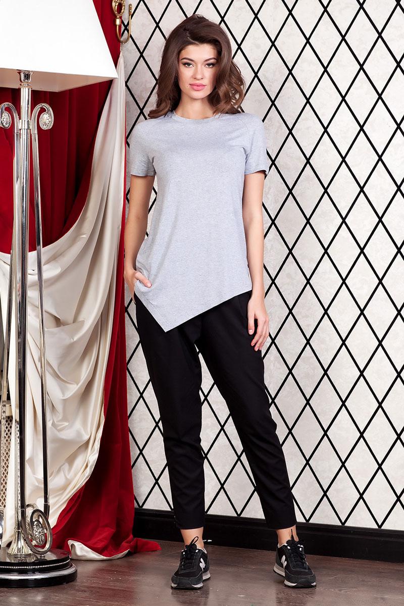 1202700_1Женская футболка Ruxara, выполненная из вискозы с добавлением лайкры, поможет создать отличный современный образ в стиле Casual. Футболка свободного покроя с круглым вырезом горловины и короткими рукавами-реглан спереди имеет ассиметричную линию низа. Такая футболка станет стильным дополнением к вашему гардеробу, она подарит вам комфорт в течение всего дня!