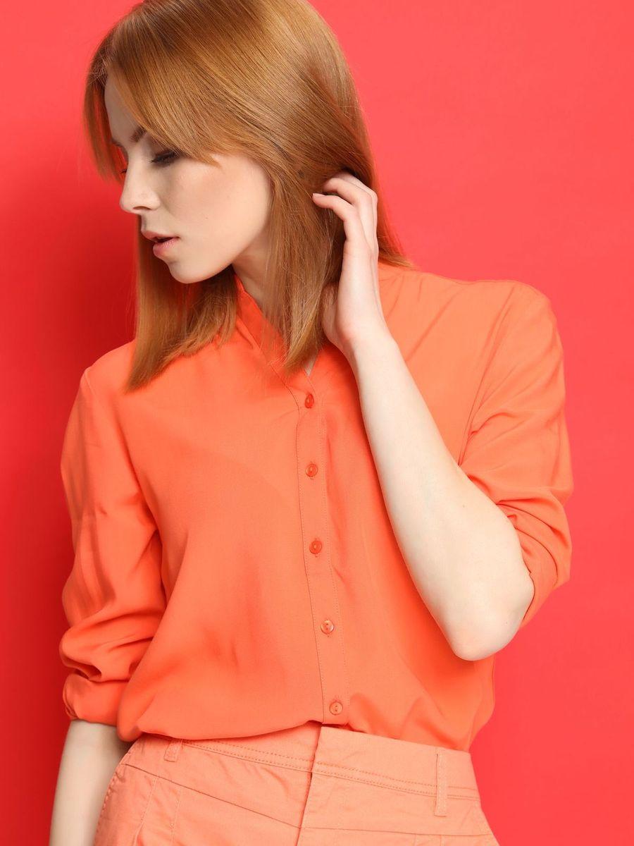 Блузка женская. SBD0605SBD0605BIСтильная блузка Top Secret, изготовленная из мягкой вискозы, подчеркнет ваш уникальный стиль. Материал очень легкий, приятный на ощупь, не сковывает движения и хорошо вентилируется. Блузка с фигурным вырезом горловины и длинными рукавами застегивается на пуговицы по всей длине. Рукава дополнены узкими манжетами с застежками-пуговицами. Такая блузка будет дарить вам комфорт в течение всего дня и послужит замечательным дополнением к вашему гардеробу.