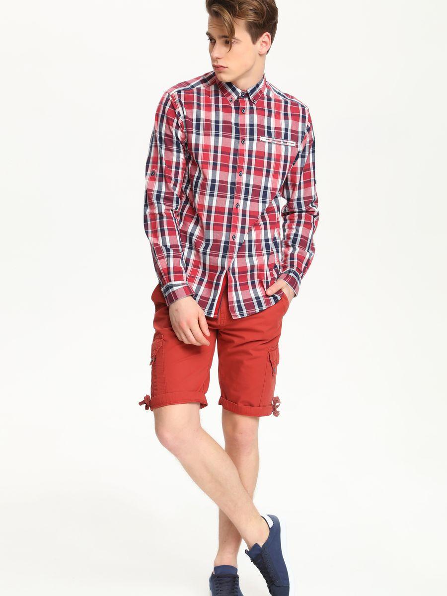 РубашкаSKL1979CEСтильная мужская рубашка Top Secret, выполненная из натурального хлопка, обладает высокой теплопроводностью, воздухопроницаемостью и гигроскопичностью, позволяет коже дышать, тем самым обеспечивая наибольший комфорт при носке. Модель классического кроя с отложным воротником застегивается на пуговицы. Края воротника спереди пристегиваются к рубашке на пуговицы. На груди имеется прорезной карман. Длинные рукава модели дополнены манжетами на пуговицах. Оформлено изделие принтом в клетку. Такая рубашка подчеркнет ваш вкус и поможет создать великолепный стильный образ.