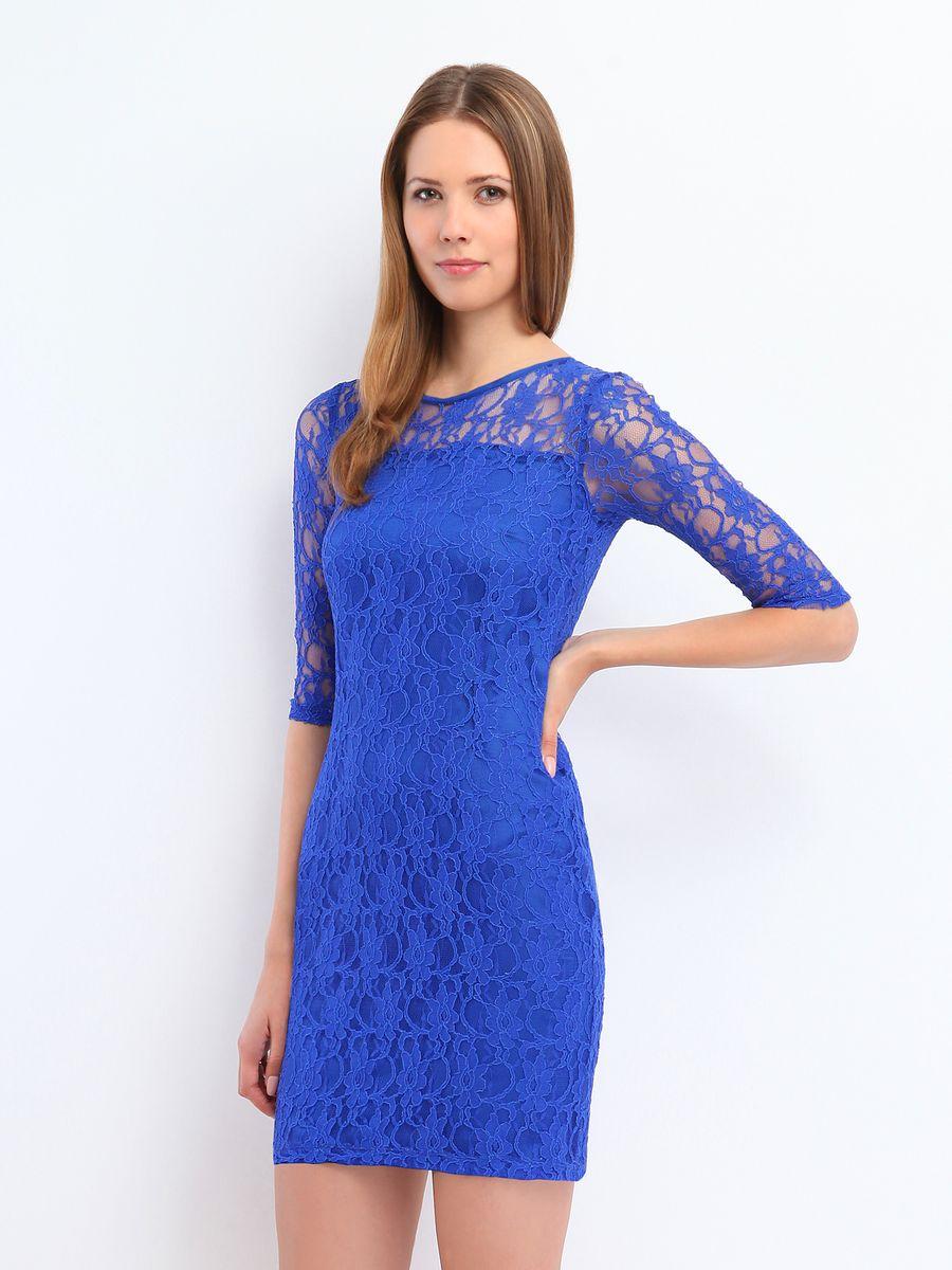 ПлатьеSSU1186GRЯркое платье Top Secret подчеркнет все достоинства женской фигуры в наиболее выгодном свете. Благодаря составу, в который входит полиэстер и мягкая эластичная вискоза, платье приятное на ощупь, не сковывает движений, обеспечивая комфорт. Модель имеет круглый вырез горловины и рукава длиной 1/2. Верх платья выполнен из эффектной кружевной ткани. Такое платье станет модным и стильным дополнением к вашему гардеробу!
