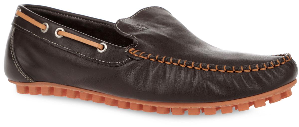 Мокасины мужские. PPH2_950PPH2_950_BLACKСтильные мужские мокасины от El Tempo покорят вас своим удобством. Модель изготовлена из натуральной кожи и украшена внешним швом на мысе, фирменным тиснением на подъеме. Кант оформлен тонким кожаным шнурком контрастного цвета и металлическими люверсами. Кожаная подкладка предотвратит натирание и обеспечит уют. Стелька из ЭВА материала с верхним покрытием из натуральной кожи позволяет ногам дышать. Шипованная подошва, выполненная из резины, облегчает сцепление с поверхностью. Модные мокасины отлично подойдут для прогулок или дальних поездок.