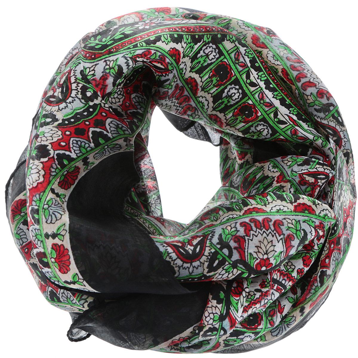 Платок560135нСтильный женский платок Ethnica станет великолепным завершением любого наряда. Платок изготовлен из 100% шелка с использованием натуральных красителей, оформлен оригинальным орнаментом. Классическая квадратная форма позволяет носить платок на шее, украшать им прическу или декорировать сумочку. Такой платок превосходно дополнит любой наряд и подчеркнет ваш неповторимый вкус и элегантность.
