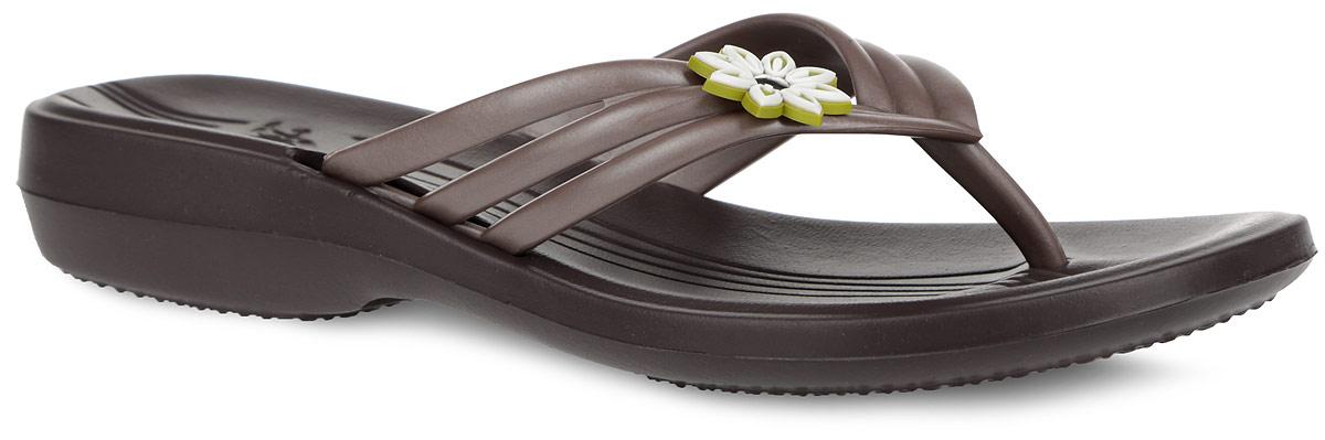 Сланцы женские. 819819Чудесные и очень легкие сланцы от Дюна придутся вам по душе. Верх модели выполнен из ПВХ и оформлен на ремешке декоративным элементом. Ремешки с перемычкой гарантируют надежную фиксацию модели на ноге. Верхняя часть подошвы, изготовленная из ЭВА материала, дополнена фирменным тиснением и рифлением, предотвращающим выскальзывание ноги. Материал ЭВА имеет пористую структуру, обладает великолепными теплоизоляционными и морозостойкими свойствами, 100% водонепроницаемостью, придает обуви амортизационные свойства, мягкость при ходьбе, устойчивость к истиранию подошвы. Рельефное основание подошвы обеспечивает уверенное сцепление с любой поверхностью. Удобные сланцы прекрасно подойдут для похода в бассейн или на пляж.