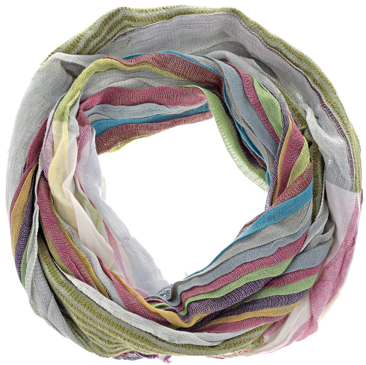 Шарф249110Яркий полосатый шарф из вискозы станет изысканным, нарядным аксессуаром, который призван подчеркнуть индивидуальность и очарование женщины. Края шарфа декорированы кисточками. Этот модный аксессуар женского гардероба гармонично дополнит образ современной женщины, следящей за своим имиджем и стремящейся всегда оставаться стильной и элегантной. В модном шарфе вы всегда будете выглядеть женственной и привлекательной.