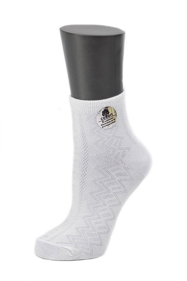 Носки026CDУдобные носки Alla Buone, изготовленные из высококачественного комбинированного материала, очень мягкие и приятные на ощупь, позволяют коже дышать. Эластичная резинка плотно облегает ногу, не сдавливая ее, обеспечивая комфорт и удобство. Носки с ажурным узором с паголенком классической длины. Практичные и комфортные носки великолепно подойдут к любой вашей обуви.