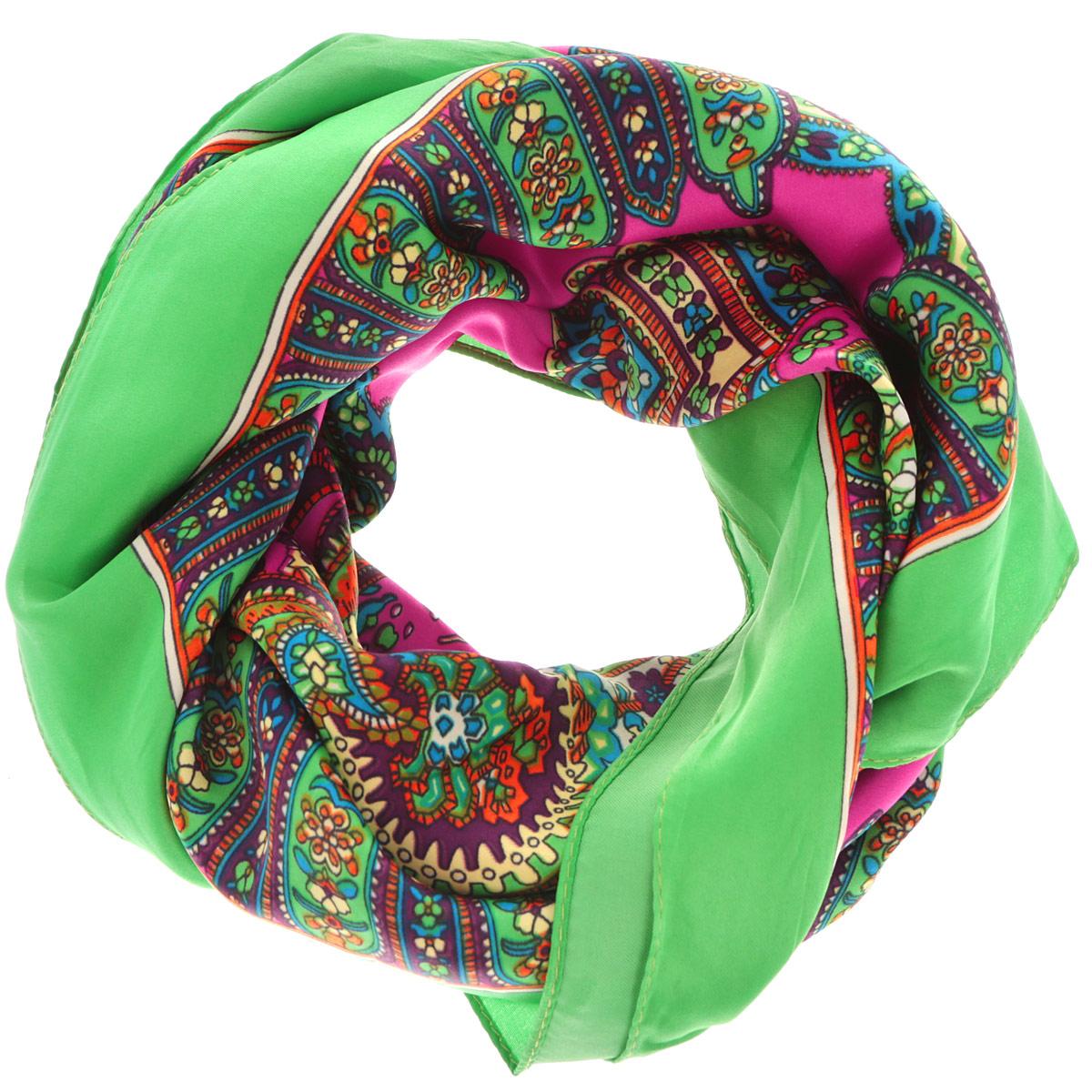 Платок женский. 0510115235_620510115235_62Стильный женский платок Sabellino станет великолепным завершением любого наряда. Платок изготовлен из полиэстера и оформлен оригинальным орнаментом. Классическая квадратная форма позволяет носить платок на шее, украшать им прическу или декорировать сумочку. Такой платок превосходно дополнит любой наряд и подчеркнет ваш неповторимый вкус и элегантность.