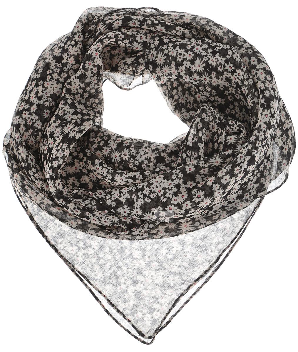 Платок524040нСтильный женский платок Ethnica станет великолепным завершением любого наряда. Платок изготовлен из высококачественной 100% вискозы и оформлен изысканным мелким цветочным принтом. Классическая квадратная форма позволяет носить платок на шее, украшать им прическу или декорировать сумочку. Легкий и шелковистый платок поможет вам создать изысканный женственный образ, а также согреет в непогоду. Такой платок превосходно дополнит любой наряд и подчеркнет ваш неповторимый вкус и элегантность.