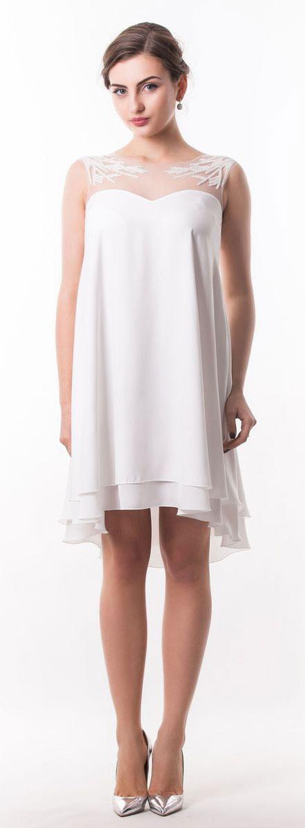 4920_102Оригинальное платье Seam выполнено из полиэстера. Модель с круглым вырезом горловины имеет двойную атласную юбку. Верх изделия выполнен из сетчатого материала и расшит бисером. Спинка модели немного удлинена. Линия талии дополнена узким съемным поясом на пуговице.