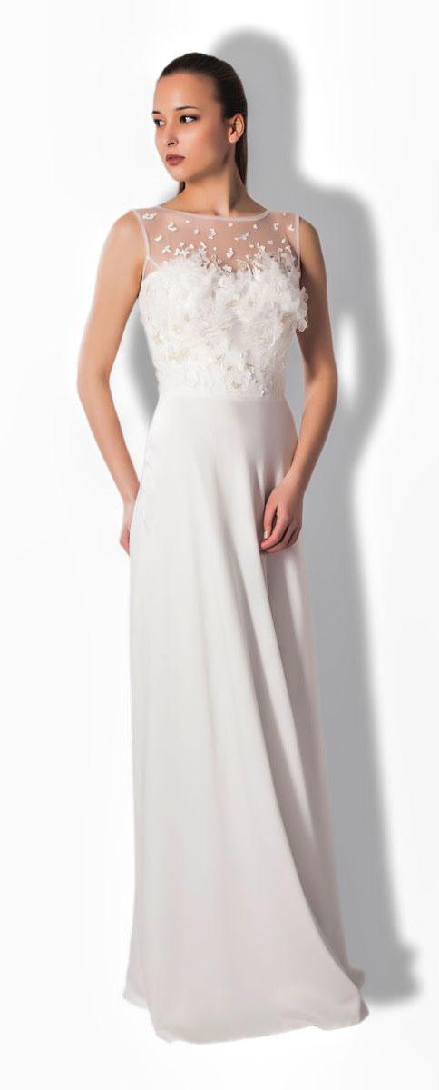 4900_102Очаровательное вечернее платье Seam, выполненное из высококачественного полиэстера с добавлением спандекса, оно отлично сидит по фигуре и подчеркнет ваши достоинства. Платье-макси без рукавов не имеет застежек и по спинке открытое. Верх модели выполнен из сетчатой ткани украшен вышитой аппликацией с бисером. Изделие дополнено пышной накладной юбкой, которая присоединяется к к платью с помощью пояса на застежках-пуговицах.