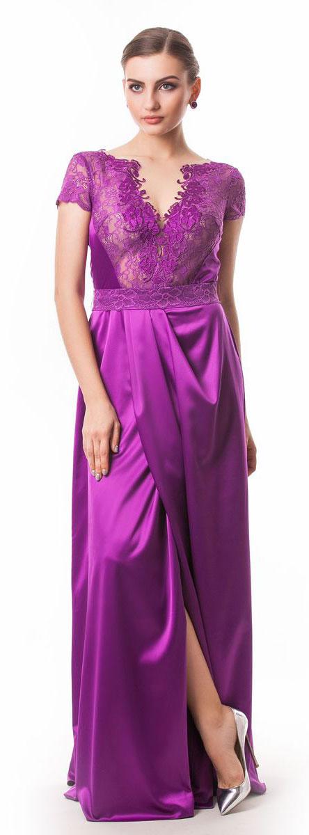 4660_102Стильное платье Seam выполнено из полиэстера с добавлением спандекса. Платье-макси с круглым вырезом горловины и короткими кружевными рукавами. Лиф модели оформлен вставками из сетчатого и кружевного материала и декорирован вышитыми цветами. Двойная юбка модели имеет небольшой запах. По талии платье присобрано на резинку и дополнена мягкими складками. К изделию прилагается текстильный пояс застегивающийся на пуговицу.