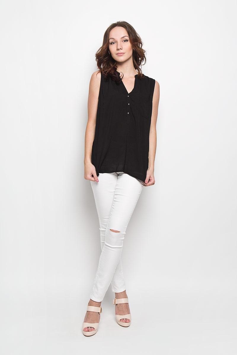 Блузка10156379 001Стильная женская блузка Broadway, выполненная из 100% вискозы, подчеркнет ваш уникальный стиль и поможет создать женственный образ. Модель c круглым вырезом горловины и без рукавов. Спереди блуза дополнена небольшим накладным карманом и застегивается на три пуговицы. Спинка модели немного удлинена. В боковых швах обработаны небольшие разрезы. Такая блузка будет дарить вам комфорт в течение всего дня и послужит замечательным дополнением к вашему гардеробу.