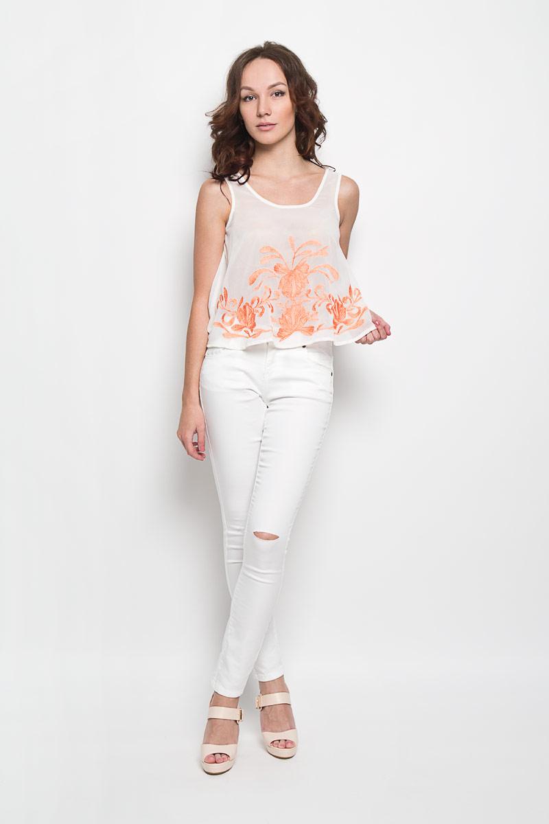 ТопKA4839Женский укороченный топ Glamorous, выполненный из 100% полиэстера, станет прекрасным дополнением к вашему гардеробу. Модель с круглым вырезом горловины, спереди оформлена оригинальным вышитым орнаментом. Современный дизайн и расцветка делают этот топ стильным и ярким предметом женской одежды. Он отлично дополнит ваш образ и позволит выделится из толпы.