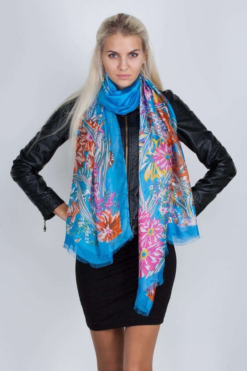 ПалантинСМ-21408-6Стильный женский палантин Sophie Ramage станет великолепным завершением любого наряда. Палантин изготовлен из натурального шелка и оформлен цветочным принтом. По краю модель дополнена неширокой бахромой. Изящный палантин поможет вам создать изысканный женственный образ, а также согреет в непогоду.