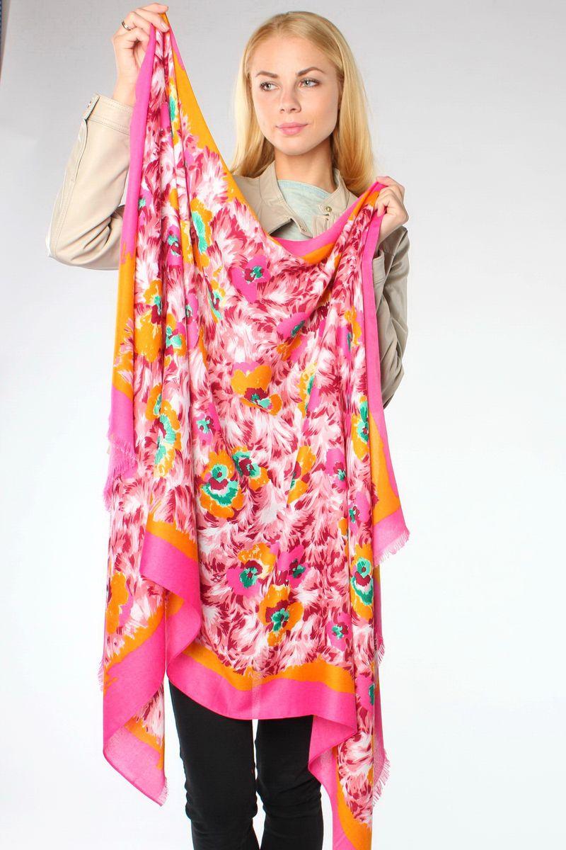 ПалантинHL-21522-13Стильный женский палантин Sophie Ramage станет великолепным завершением любого наряда. Палантин изготовлен из модала с добавлением шелка и оформлен ярким цветочным принтом. По краю модель украшена небольшой бахромой. Легкий и изящный палантин поможет вам создать изысканный женственный образ, а также согреет в непогоду.