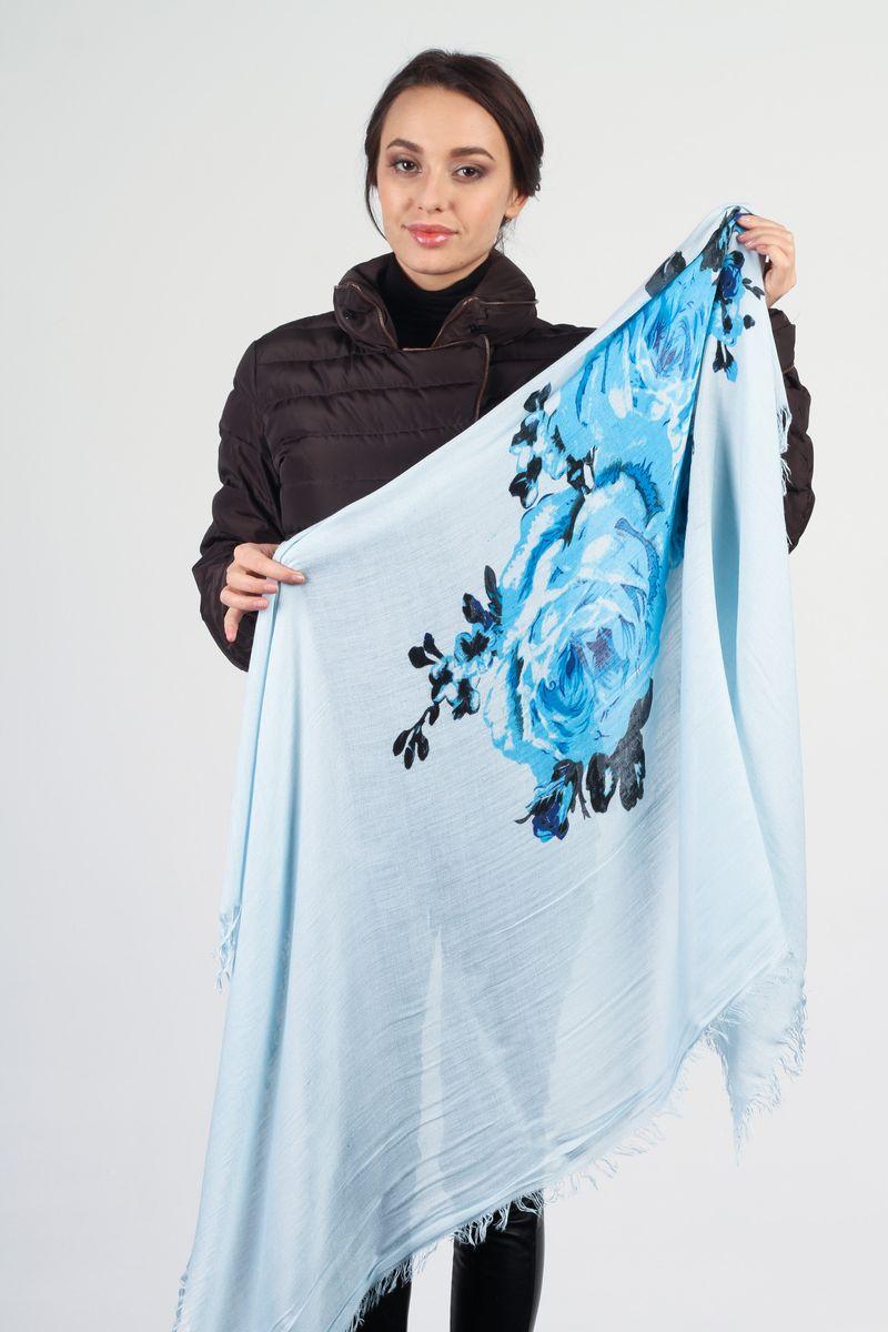 ПлатокJLB10278YS4-2Стильный женский платок Laura Milano станет великолепным завершением любого наряда. Платок изготовлен из высококачественного материала и оформлен крупным цветочным принтом. Мягкий и шелковистый платок поможет вам создать изысканный женственный образ, а также согреет в непогоду. Такой платок превосходно дополнит любой наряд и подчеркнет ваш неповторимый вкус и элегантность.