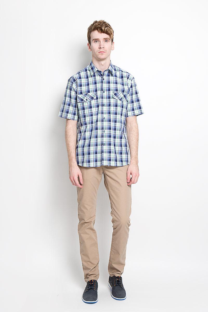 Рубашка мужская. JJc-k-161325-N3JJc-k-161325-N3Мужская рубашка John Jeniford в стиле casual, изготовленная из высококачественного хлопка с добавлением полиэстера, необычайно мягкая и приятная на ощупь, не сковывает движения и обеспечивает наибольший комфорт. Модная легкая рубашка с отложным воротником, короткими рукавами и полукруглым низом застегивается на пластиковые пуговицы. Модель оформлена стильным принтом в клетку. На груди расположено два накладных кармана с клапанами, закрывающимися на пуговицу. Эта рубашка идеально подойдет для повседневного гардероба. Такая модель порадует настоящих ценителей комфорта и практичности!