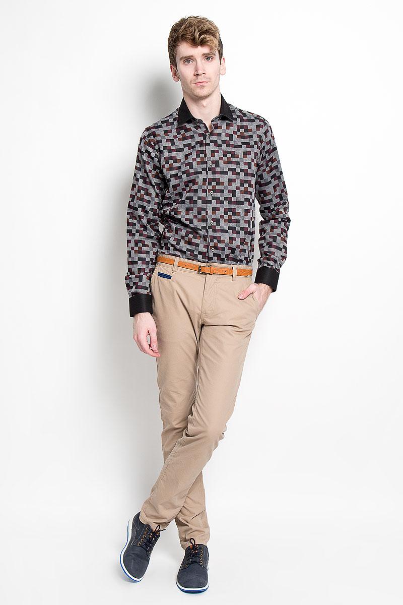Рубашка мужская. SW 63SW 63-01Мужская рубашка KarFlorens, изготовленная из высококачественного хлопка с добавлением микрофибры, необычайно мягкая и приятная на ощупь, она не сковывает движения и позволяет коже дышать, обеспечивая комфорт. Модель с длинными рукавами и отложным воротником застегивается на металлические пуговицы, которые декорированы названием бренда. Манжеты со срезанными уголками и регулировкой ширины также застегиваются на пуговицы. Такая рубашка станет идеальным вариантом для повседневного гардероба. Она порадует настоящих ценителей комфорта и практичности!