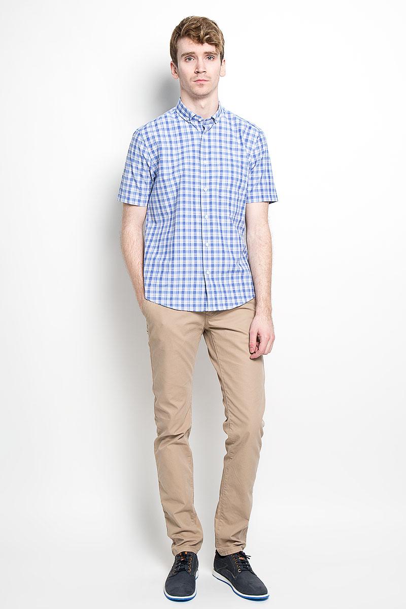 Рубашка мужская. JJ-k-1011-SL24-U1JJ-k-1011-SL24-U1Мужская рубашка John Jeniford, выполненная из натурального хлопка с добавлением полиэстера, прекрасно подойдет для повседневной носки. Материал очень легкий, мягкий и приятный на ощупь, не сковывает движения и позволяет коже дышать. Рубашка классического кроя с отложным воротником и короткими рукавами застегивается на пластиковые пуговицы по всей длине. На груди предусмотрен накладной карман. Низ изделия имеет округлую форму. Такая модель будет дарить вам комфорт в течение всего дня и станет стильным дополнением к вашему гардеробу.