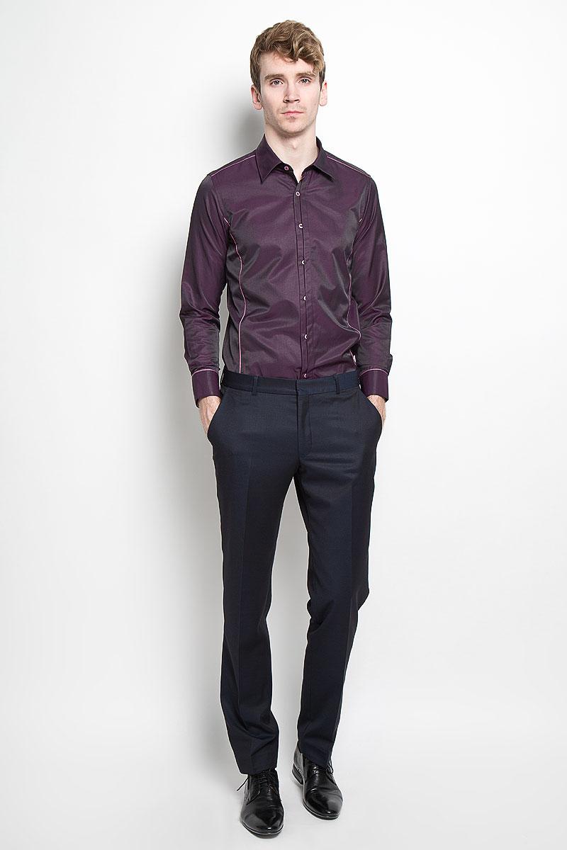 РубашкаSW 68-01Стильная мужская рубашка KarFlorens, изготовленная из высококачественного хлопка с добавлением микрофибры, необычайно мягкая и приятная на ощупь, не сковывает движения и позволяет коже дышать, обеспечивая наибольший комфорт. Модная рубашка приталенного кроя с отложным воротником, длинными рукавами и полукруглым низом застегивается на пластиковые пуговицы. Пуговицы декорированы логотипом бренда. Фигурные вытачки приталивают модель. Рукава дополнены манжетами с застежкой на две пуговицы. Вытачки, манжеты рукавов и плечи декорированы контрастным кантом. Эта рубашка станет идеальным вариантом для мужского гардероба. Такая модель порадует настоящих ценителей комфорта и практичности!