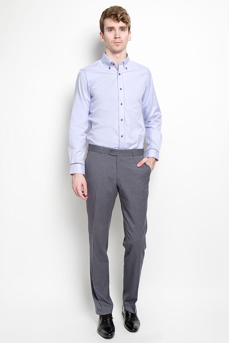 РубашкаSW 53-01Мужская рубашка KarFlorens, изготовленная из высококачественного хлопка с добавлением микрофибры, необычайно мягкая и приятная на ощупь, она не сковывает движения и позволяет коже дышать, обеспечивая комфорт. Модель приталенного силуэта, с планкой, с классическим отложным воротником на пуговицах, длинными рукавами и полукруглым низом. Рубашка застегивается на пластиковые пуговицы. Манжеты со срезанными уголками, с застежкой на пуговицы. Ширину манжет можно варьировать, благодаря дополнительной пуговице. Пуговицы декорированы логотипом KarFlorens, на правой манжете - вышивка-логотип. Модель оформлена стильным принтом в микрополоску. Эта рубашка - идеальный вариант для повседневного гардероба. Такая модель порадует настоящих ценителей комфорта и практичности!