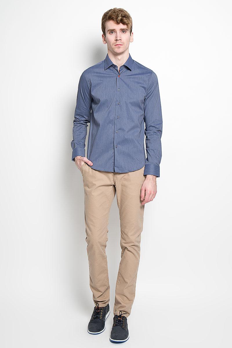 Рубашка мужская. SW 84SW 84_01Мужская рубашка KarFlorens, изготовленная из высококачественного хлопка с добавлением нейлона и лайкры, необычайно мягкая и приятная на ощупь, она не сковывает движения и позволяет коже дышать, обеспечивая комфорт. Рубашка с длинными рукавами и отложным воротником застегивается на пуговицы, которые оформлены тиснением с названием бренда. Манжеты со срезанными уголками и регулировкой ширины также застегиваются на пуговицы. Такая рубашка станет идеальным вариантом для повседневного гардероба. Она порадует настоящих ценителей комфорта и практичности!