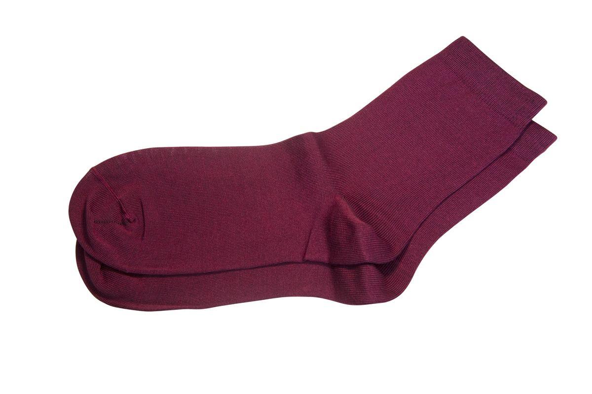 AG-1010_8070Женские носки Askomi Classic для повседневной носки выполнены из мерсеризованного хлопка с добавлением полиамида. Такой хлопок придает носкам блеск, эластичность и шелковистость. Двойной борт для плотной фиксации не пережимает сосуды. Носок и пятка укреплены, что значительно увеличивает износостойкость носков. Кеттельный шов не ощутим для ноги.