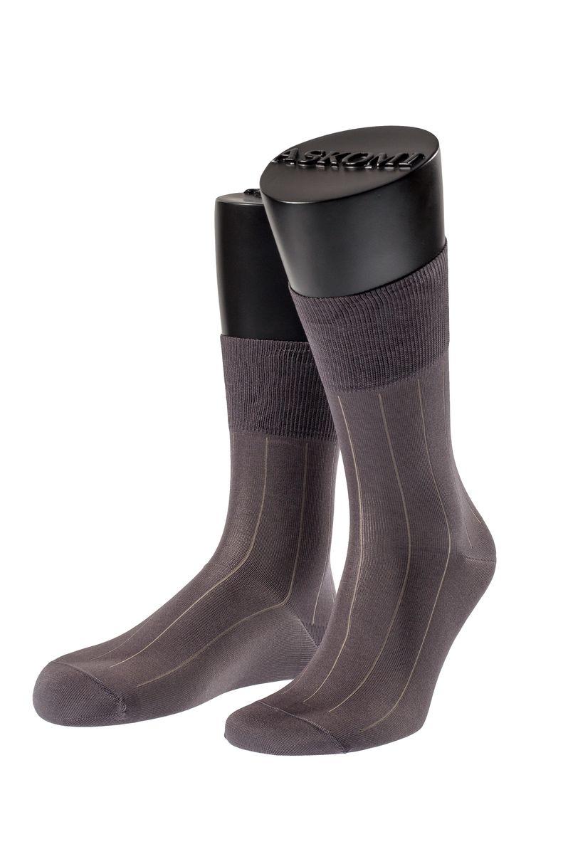 НоскиАМ-7119_8101Мужские носки Askomi для повседневной носки выполнены из мерсеризованного хлопка с добавлением полиамида. Такой хлопок придает блеск, эластичность и ощущение шелковистости. Носок и пятка укреплены, что значительно увеличивает износостойкость носков. Двойной борт для плотной фиксации не пережимает сосуды. Кеттельный шов не ощутим для ноги.