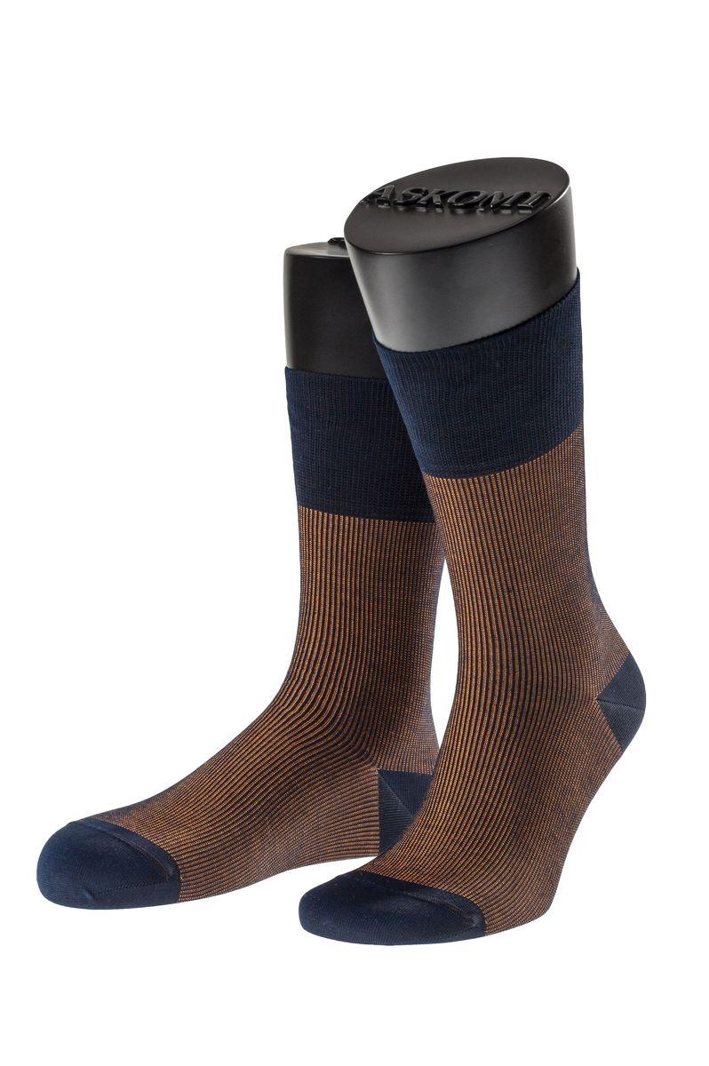 АМ-7700_1203Мужские носки Askomi Casual выполнены из мерсеризованного хлопка с добавлением полиамида. Двойной борт для плотной фиксации не пережимает сосуды. Укрепление мыска и пятки для идеальной прочности. Кеттельный шов не ощутим для ноги.