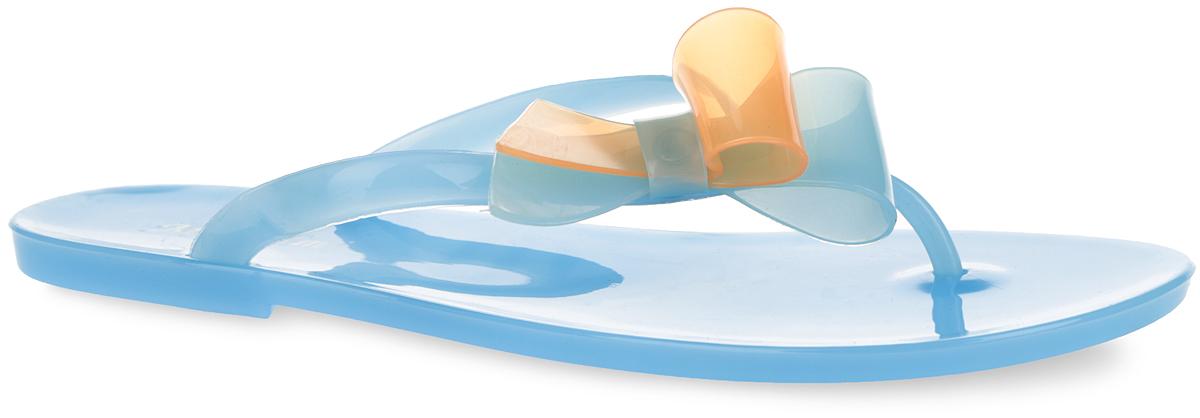 Сланцы женские. PT12PT12-07_SMOKEЧудесные женские сланцы от Mon Ami придутся вам по душе. Модель полностью выполнена из ПВХ и оформлена на ремешке роскошной аппликацией в виде банта. Ремешки с перемычкой гарантируют надежную фиксацию изделия на ноге. Верхняя поверхность подошвы декорирована оригинальным принтом в виде названия бренда. Рельефное основание подошвы обеспечивает уверенное сцепление с любой поверхностью. Удобные сланцы прекрасно подойдут для похода в бассейн или на пляж.