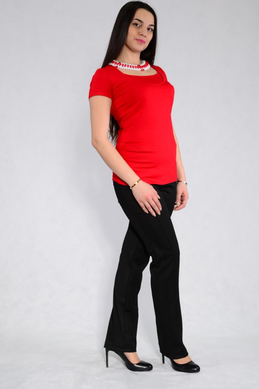Футболка1224.04Футболка для беременных и кормящих мам. Универсальный специальный покрой футболки позволяет носить её как во время беременности, так и в период грудного кормления. В футболке предусмотрен горизонтальный секрет для кормления – один из самых удобных, позволяющий кормить малыша в любом, удобном для вас месте. Выполнена из качественного трикотажа, нежно и приятно при соприкосновении с кожей. Футболку можно носить как в классическом стиле, так и в спортивном.
