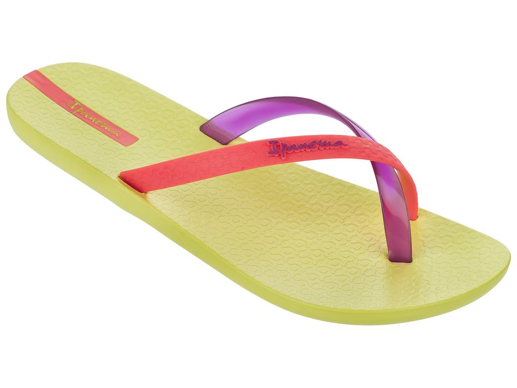 Пантолеты женские. 81137-2152981137-21529must-have для любителей пляжа, песка и воды, эта базовая тонг-модель выделяется максимально комфортной подошвой Flexpandи не прилипающим текстурированным верхом.