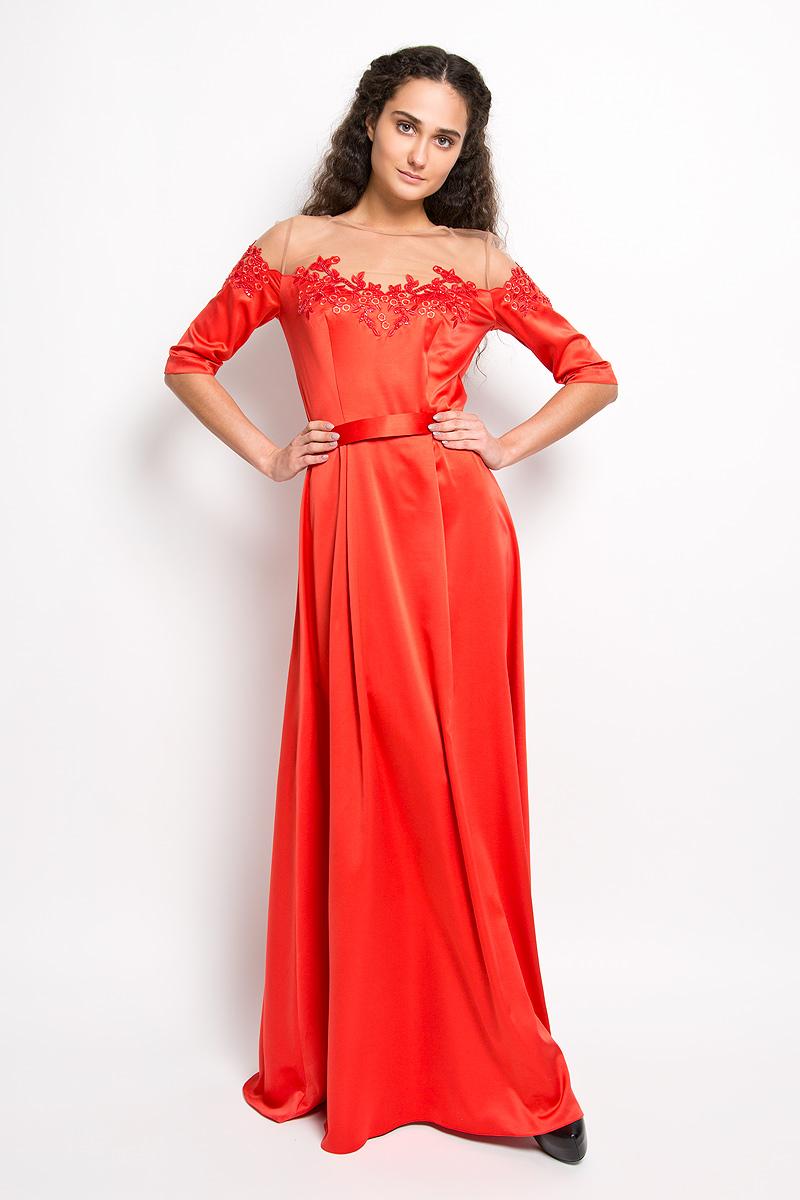 Платье4430_404Стильное платье Seam, выполненное из струящегося легкого материала, подчеркнет ваш уникальный стиль и поможет создать оригинальный женственный образ. Платье-макси с круглым вырезом горловины и короткими рукавами придется вам по душе. Верхняя часть модели оформлена вставкой из сетчатого материала телесного цвета и оригинальной вышивкой дополненной бисером. По линии талии небольшая сборка на резинку. Плате дополнено небольшим поясом. Такое платье станет стильным дополнением к вашему гардеробу.