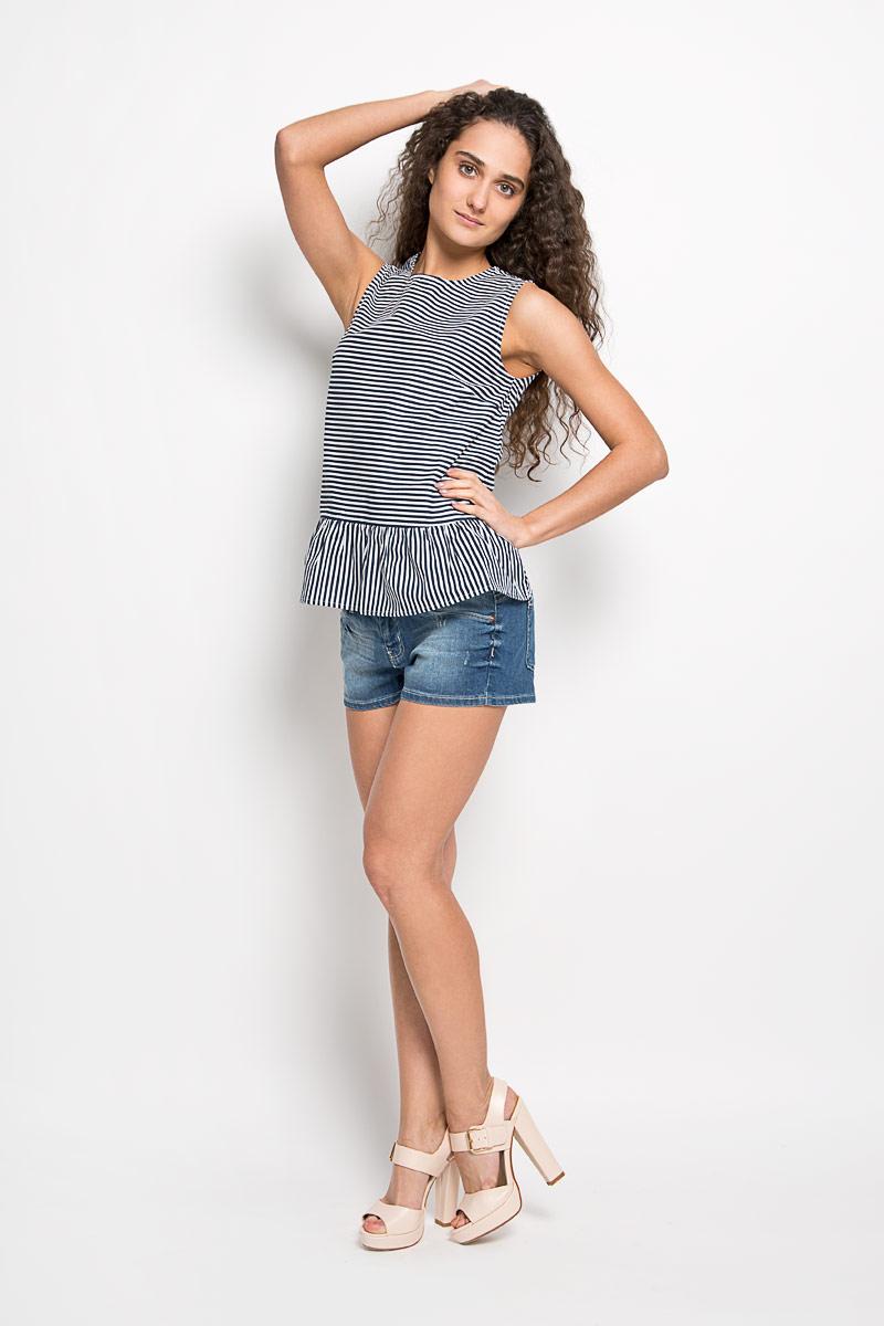 Блузка женская. SBW0235SBW0235BIСтильная женская блуза Top Secret, выполненная из эластичного хлопка, подчеркнет ваш уникальный стиль и поможет создать оригинальный женственный образ. Блузка без рукавов с круглым вырезом горловины оформлена принтом в узкую контрастную полоску. Модель застегивается на застежку-молнию на спинке, низ украшен декоративными складками. Такая блузка идеально подойдет для жарких летних дней. Такая блузка будет дарить вам комфорт в течение всего дня и послужит замечательным дополнением к вашему гардеробу.
