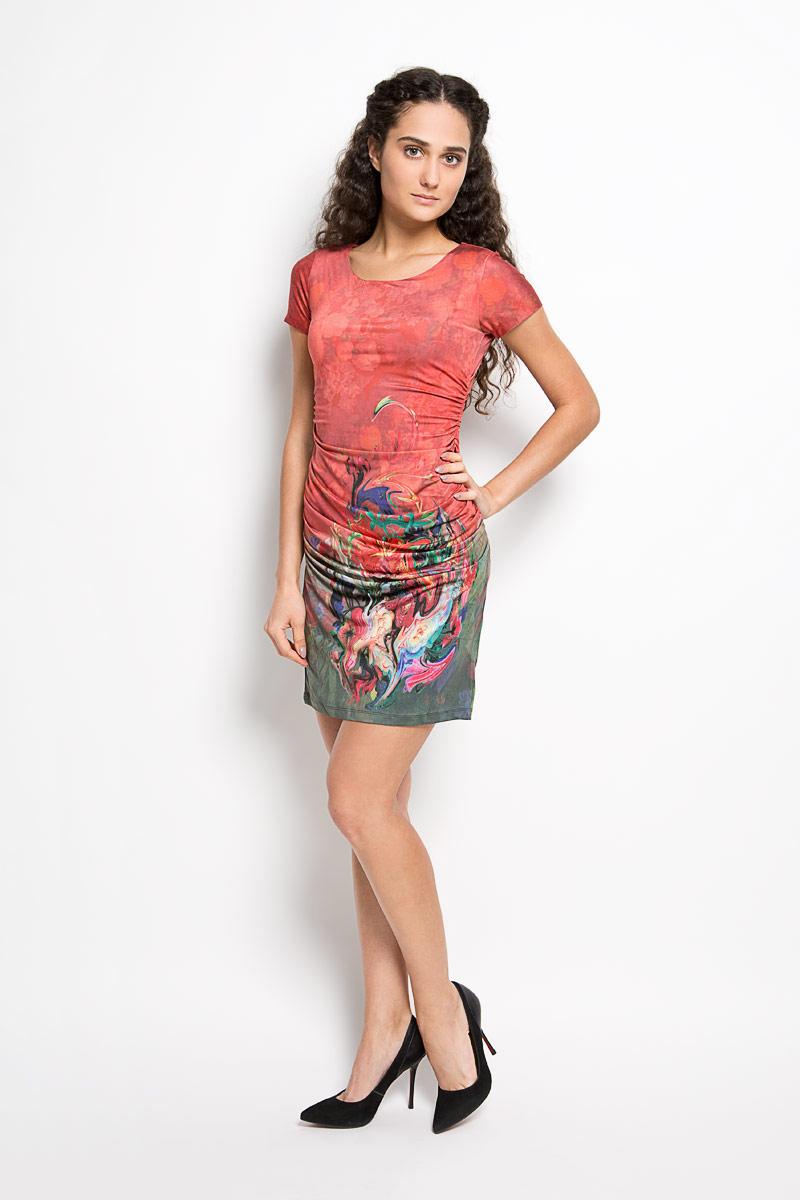 Платье. LD 006LD 006-01Прелестное трикотажное платье Karff подчеркнет ваш уникальный стиль и поможет создать оригинальный женственный образ. Модель облегающего покроя с круглым вырезом горловины и короткими рукавами оформлена цветочным принтом. По бокам модель дополнена вертикальной сборкой, за счет которой изделие красиво драпируется. Такое платье станет стильным дополнением к вашему гардеробу.