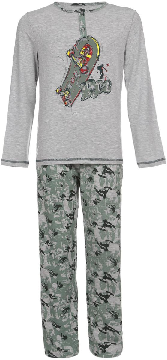 N9064154-20 / NA9064-82Пижама для мальчика Baykar, состоящая из футболки с длинным рукавом и брюк, идеально подойдет ребенку для отдыха и сна. Модель выполнена из эластичного хлопка, необычайно мягкая, очень приятная к телу, не сковывает движения, хорошо пропускает воздух. Футболка с круглым вырезом горловины и длинными рукавами застегивается спереди на две пуговицы. Плоские эластичные швы изделия обеспечивают комфорт и не вызывают раздражений. Брюки на талии имеют мягкую резинку, благодаря чему они не сдавливают животик ребенка и не сползают. Спереди расположены два втачных кармана. Пижама украшена принтом на спортивную тематику. В такой пижаме ребенок будет чувствовать себя комфортно и уютно!
