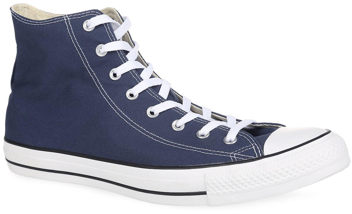 Кеды мужские Chuck Taylor All Star Core HI. M9622M9622Классические кеды Chuck Taylor All Star Core HI от Converse займут достойное место среди вашей обуви. Модель выполнена из текстиля и оформлена задним наружным ремнем, сбоку - фирменной термоаппликацией, на подошве - контрастными полосками. Мыс изделия дополнен классической для кед прорезиненной вставкой. Шнуровка обеспечивает надежную фиксацию обуви на ноге. Подкладка из текстиля. Стелька из материала EVA с текстильной поверхностью комфортна при движении. Гибкая резиновая подошва с рифлением гарантирует идеальное сцепление с любыми поверхностями. В таких кедах вашим ногам будет комфортно и уютно.