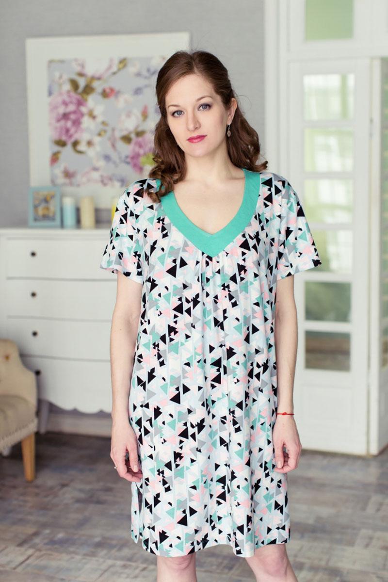 71171905Стильное женское платье MARUSЯ свободного силуэта выполнено из 100% вискозы. Модель с короткими рукавами и V-образным вырезом горловины. Оформлено платье контрастным принтом и по бокам дополнено небольшими разрезами.