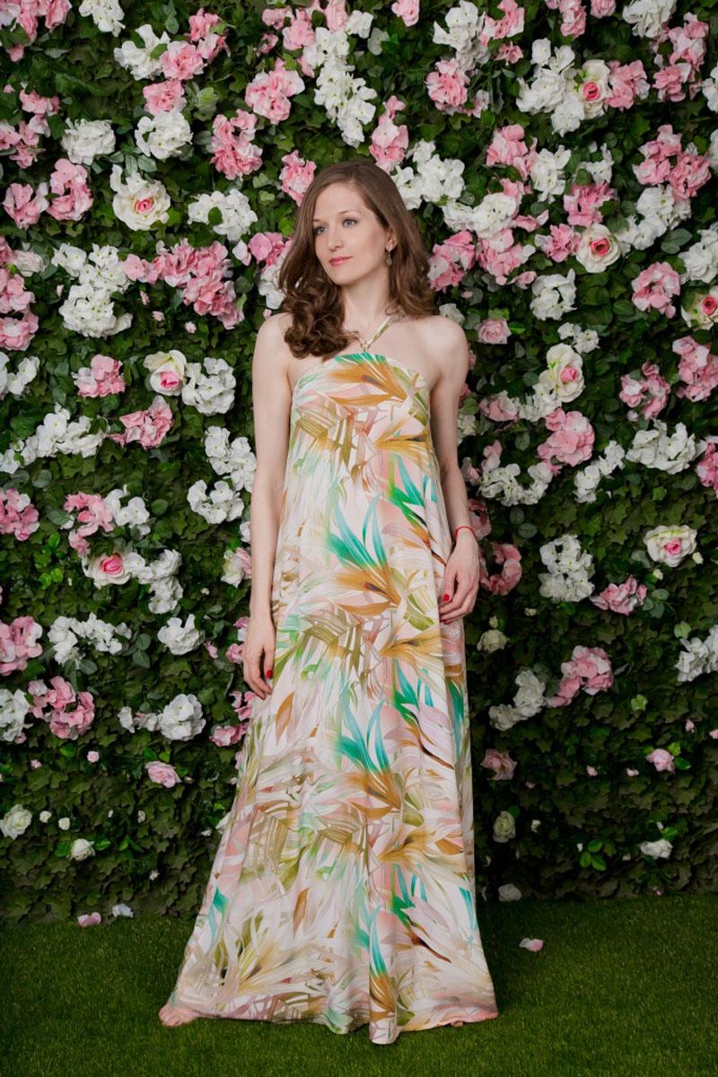 71171208Сарафан MARUSЯ, выполненный из вискозы, подчеркнет ваш уникальный стиль и поможет создать оригинальный женственный образ. Модный сарафан-макси свободного кроя дополнен бретелями.