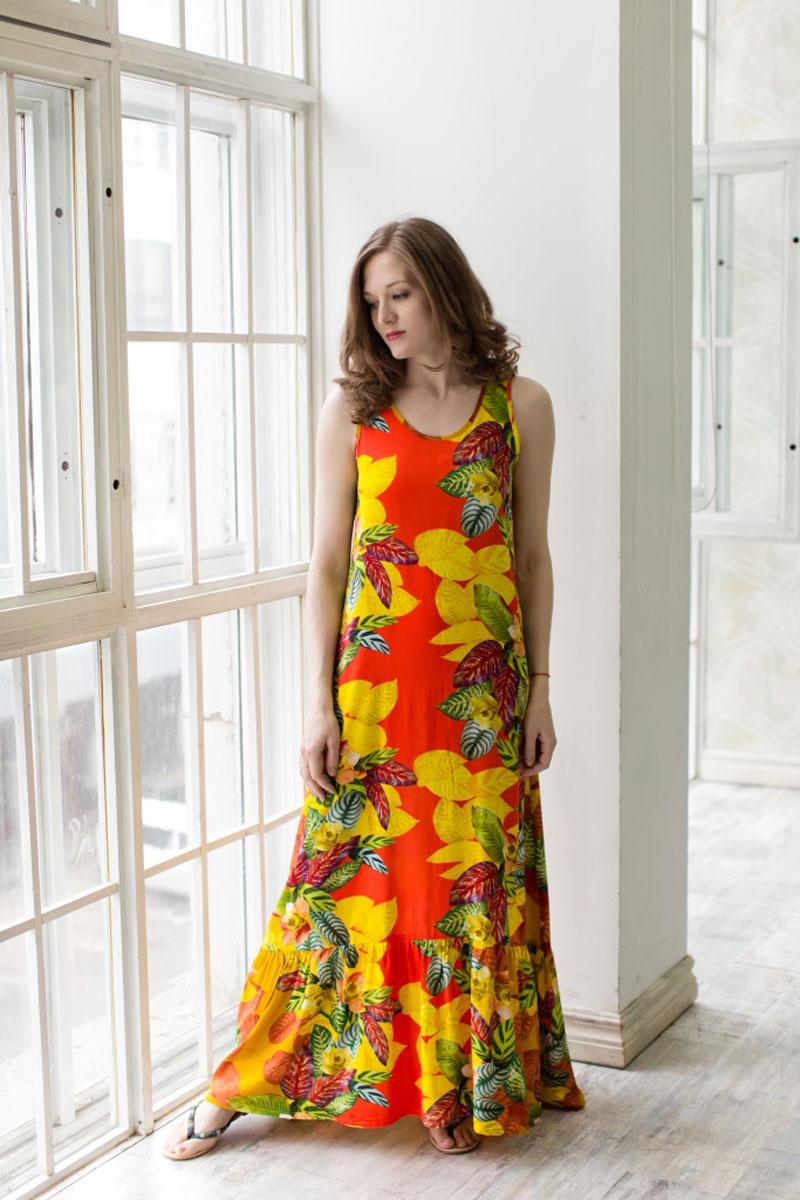 Платье71171204Стильное платье-макси MARUSЯ, выполненное из высококачественной вискозы, поможет создать отличный современный образ. Модель без рукавов и с круглым вырезом горловины имеет застежку-пуговицу сзади на спинке. Платье-макси оформлено контрастным принтом.