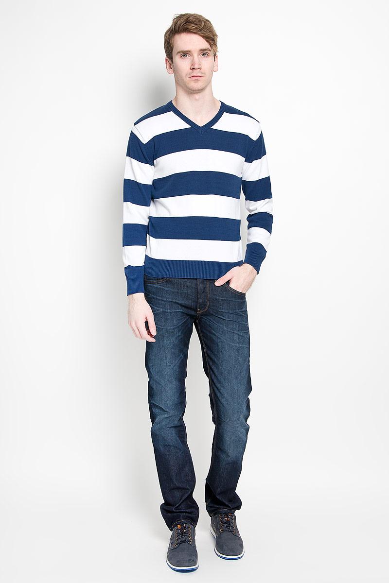 Пуловер мужской. 8800088000-01Классический мужской пуловер Karff, изготовленный из хлопковой пряжи, мягкий и приятный на ощупь, не сковывает движений и обеспечивает наибольший комфорт. Модель мелкой вязки с V - образным вырезом горловины и длинными рукавами великолепно подойдет для создания образа в стиле Casual. Края рукавов, низ изделия и горловина связаны резинкой. Этот пуловер послужит отличным дополнением к вашему гардеробу. В нем вы всегда будете чувствовать себя уютно и комфортно в прохладную погоду.